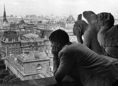 024 Paris-(c)-Roger-Melis.
